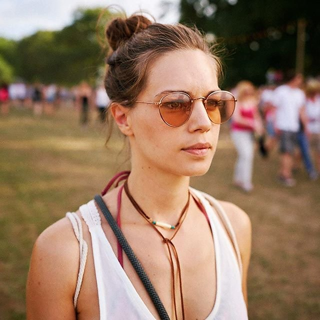 Festivallove with @ines_imhof @parookaville and the brand new Sony A9 and not yet released Sony SEL1635GM #michaelimhof #professionalmodel #A9 #sel1635gm #alphaddicted #newmodel #streetwearfashion #streetphotograph #brownhairgirl #greeneye #festivallove #